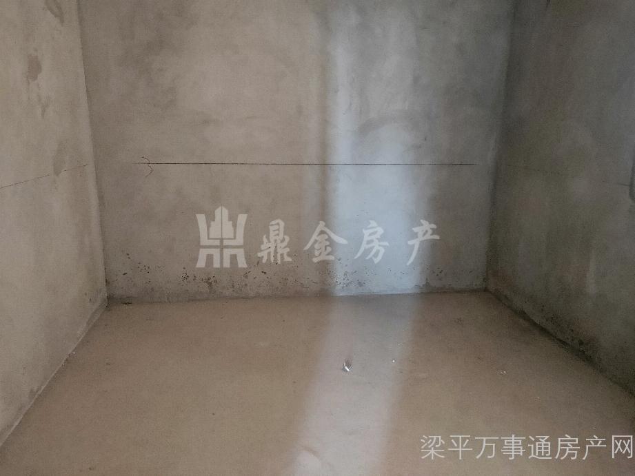 上海城清水3房1卫,62万