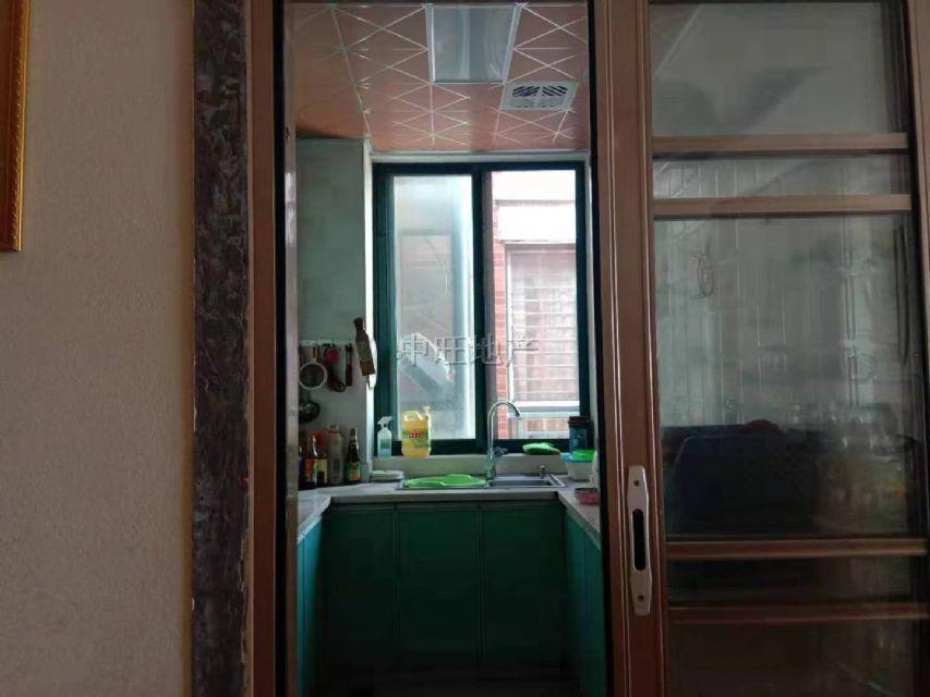 香格里拉 九小学区房 成熟小区 小区绿化率高 环境优美