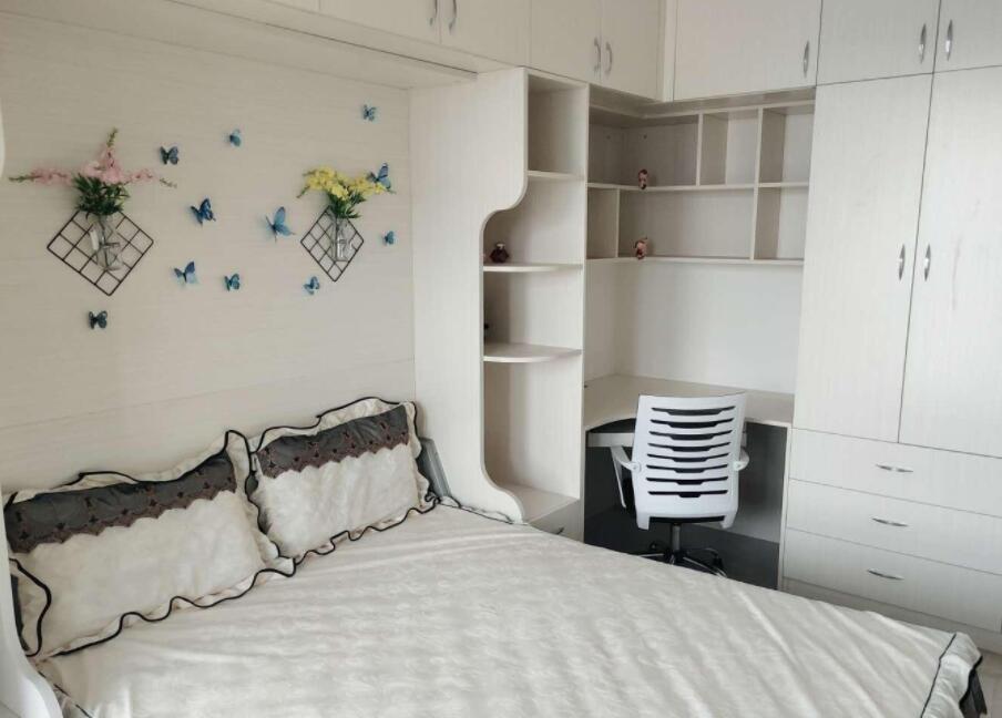 金港湾全新欧式豪华装修正规1房家电齐全拎包入住