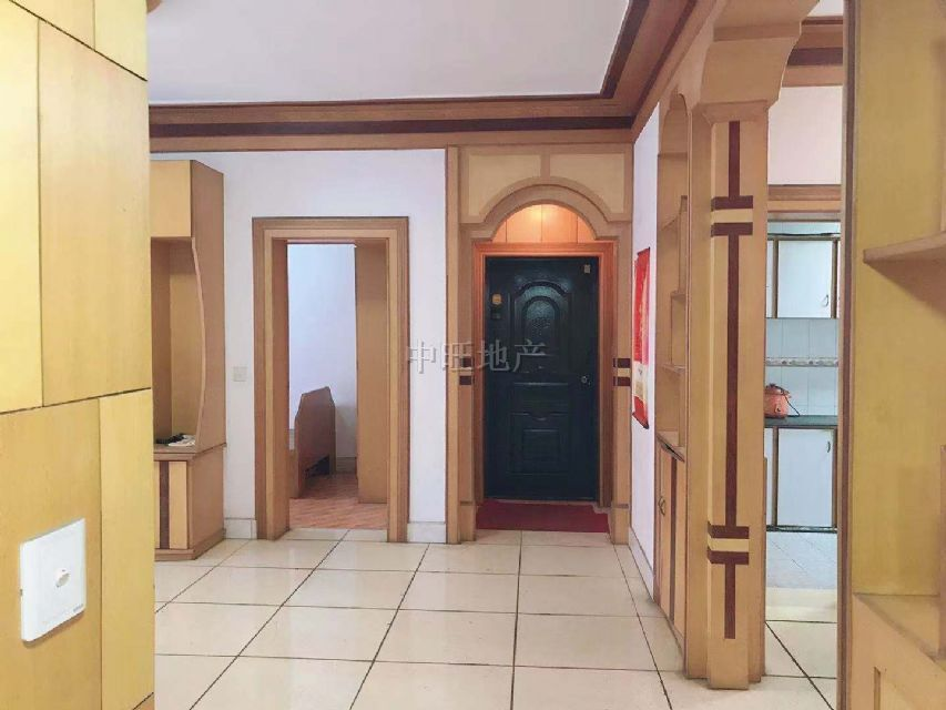 一小学期房,3房中装,步梯好楼层,价钱实惠,急售