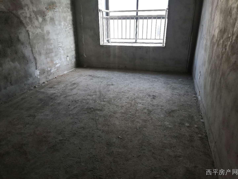 紫荆北城三室两厅两卫,毛坯有证可按揭
