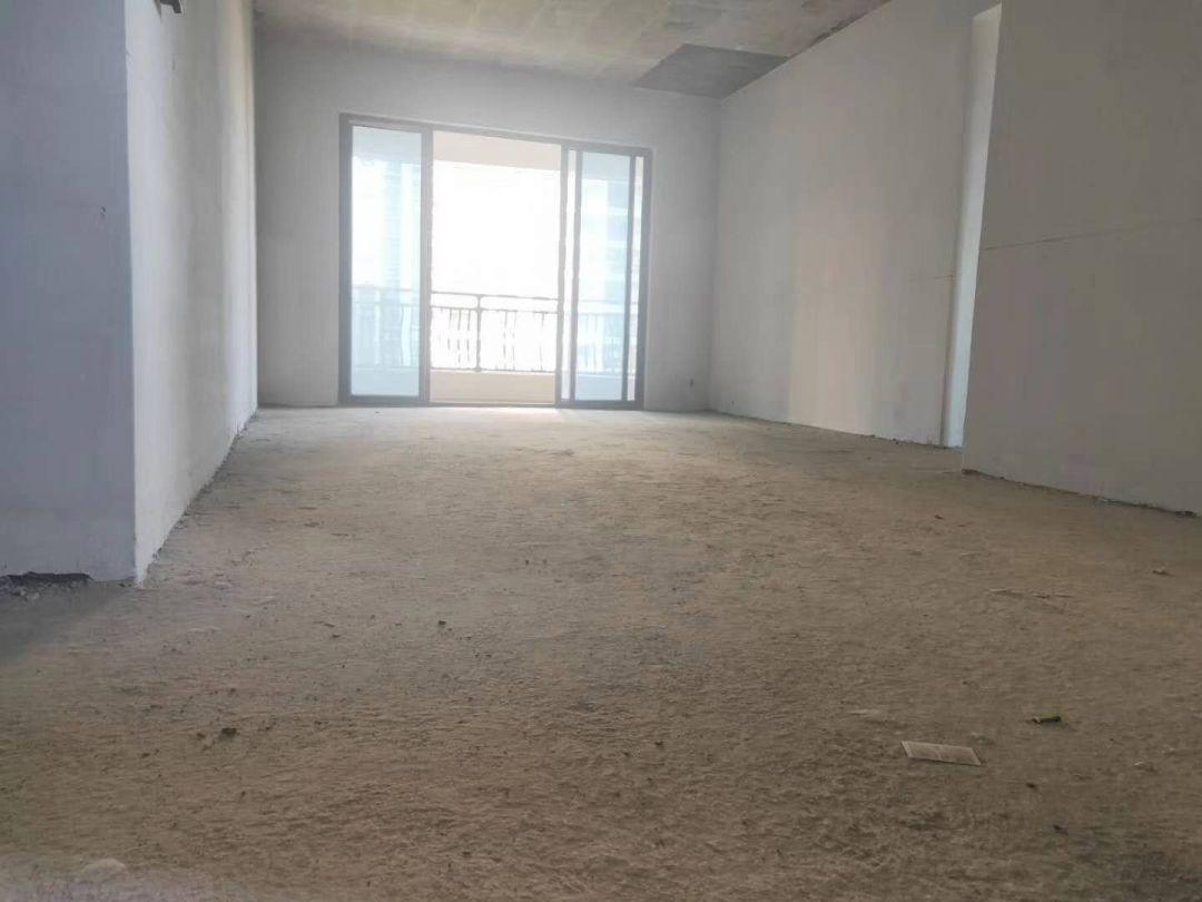碧桂园太阳城芙蓉湾85万四房毛坯141方电梯5楼证满两年真实有效