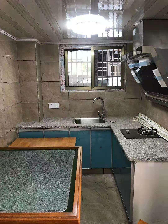 审计小区一房一厅600元/月